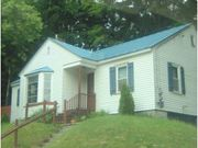 3BR 1 BA Home in Springfield VT